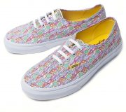 "Vans AUTHENTIC ""THE BEATLES""ALL YOU NEED IS LOVE"
