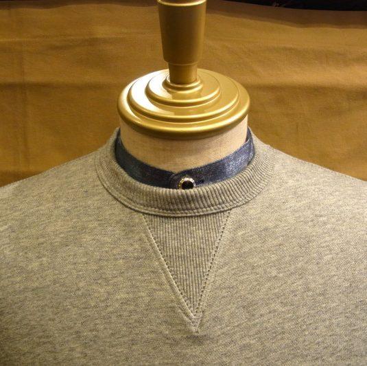 Collar-coordinated