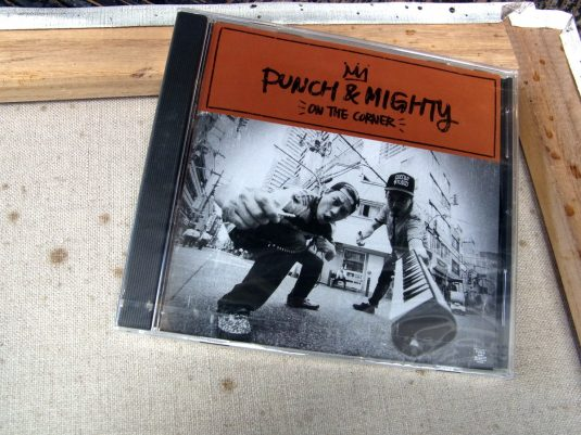 ON THE CORNER / PUNCH&MIGHTY