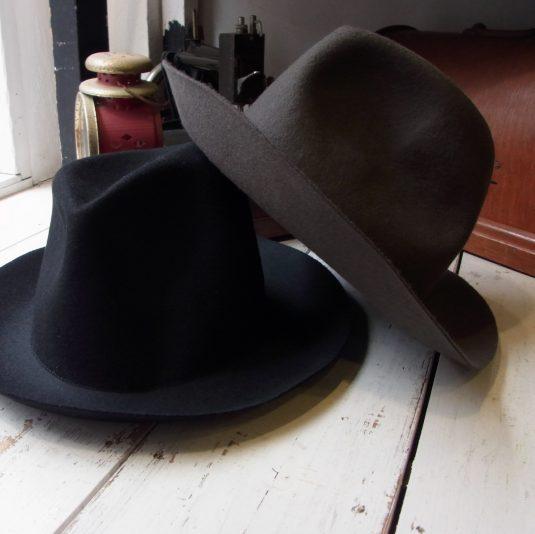 TILT CROWN FELT HAT